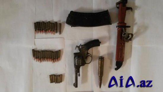 Bakıda zibillikdə xeyli silah-sursat tapıldı