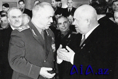 """""""Molotovla Xruşovun hamam davası"""" –"""